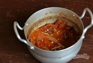 Говядина, тушеная в томатной пасте - фото шаг 10