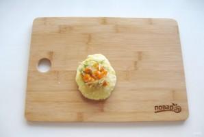 Жареные картофельные пирожки с квашеной капустой - фото шаг 11