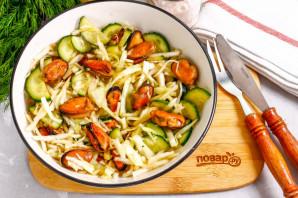 Салат с мидиями и капустой - фото шаг 6