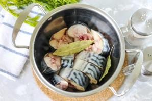 Салат со скумбрией на зиму - фото шаг 2