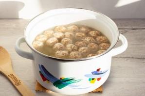 Куриный суп с сырными фрикадельками - фото шаг 6
