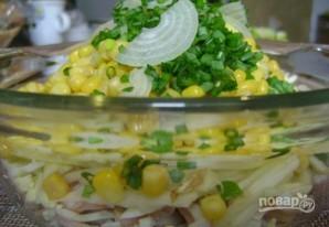 Салат из кальмаров с яйцом и кукурузой - фото шаг 5