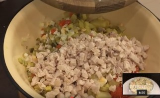 """Традиционный салат """"Оливье"""" (действительно вкусный) - фото шаг 4"""