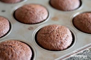Кофейные маффины с карамелью и взбитыми сливками - фото шаг 3