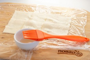 Сырный рулет с лососем на Новый год - фото шаг 4