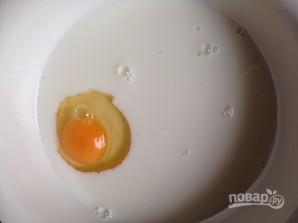 Тонкие простые блины на молоке - фото шаг 1