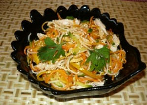 Салат с фунчозой и курицей - фото шаг 6