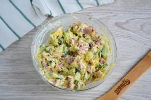 Салат с копченым мясом и огурцом - фото шаг 7