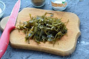Салат с морской капустой и грибами - фото шаг 5