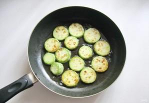Жареные кабачки со сметанно-чесночным соусом - фото шаг 3