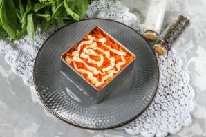 Салат с яблоком и морковью слоями - фото шаг 5