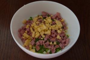 Салат с колбасой и сыром - фото шаг 4