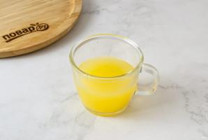 Смузи из банана, киви и апельсина - фото шаг 3