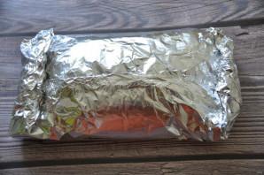 Свиной окорок, запеченный в духовке в фольге - фото шаг 7
