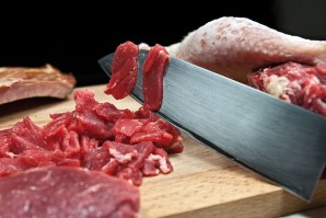 Солянка мясная на сковороде - фото шаг 1