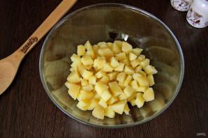 Салат из рыбных консервов с огурцом - фото шаг 2