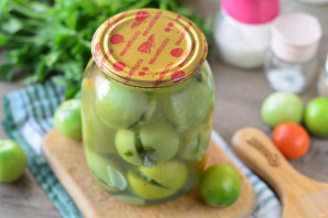 Зеленые помидоры с чесноком и петрушкой на зиму - фото шаг 12