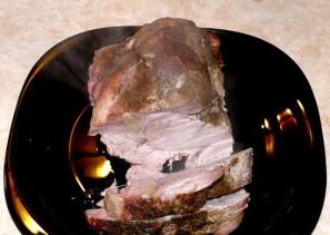 Свиная шея, запеченная в фольге - фото шаг 7