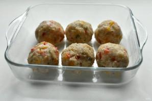 Индюшиные тефтели с рисом и перцем в томатном соусе - фото шаг 7
