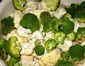 Цветная капуста с овощами в духовке - фото шаг 1
