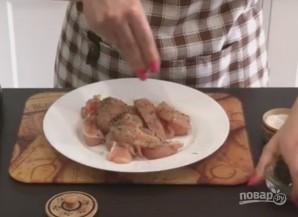 Куриная грудка с овощами в мультиварке - фото шаг 2