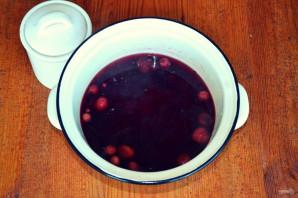 Компот из замороженных ягод - фото шаг 5
