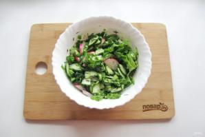 Зеленый салат с редиской - фото шаг 7