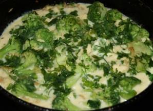 Омлет с брокколи и помидорами - фото шаг 5