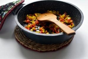 Индюшиные тефтели с рисом и перцем в томатном соусе - фото шаг 3