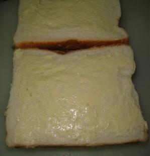 Тосты с сыром и грибами - фото шаг 5