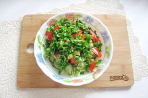Овощной салат с капустой, помидорами, огурцами и зеленью - фото шаг 6