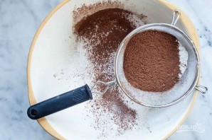 Шоколадные бискотти с клюквой и фисташками - фото шаг 1