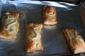 Пирожки с курицей и сыром в духовке - фото шаг 6