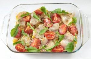 Рыба, запеченная с кабачками и картошкой в духовке - фото шаг 6