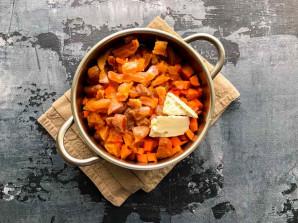Морковная запеканка с курагой - фото шаг 4