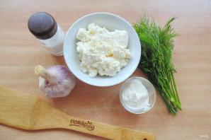 Творожный соус с чесноком и зеленью - фото шаг 1