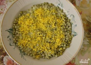 Куриный салат с солеными огурцами - фото шаг 6