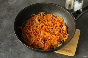 Салат с морковью и солеными огурцами - фото шаг 4