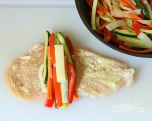 Куриные рулетики с овощами - фото шаг 5