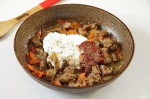 Говядина на сковороде с морковью и луком - фото шаг 7
