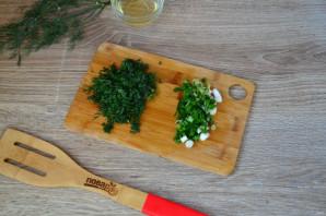 Салат из помидоров, огурцов и перцев - фото шаг 5