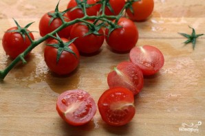 Салат со шпинатом и помидорами черри - фото шаг 2