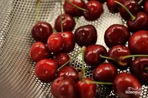 Десерт из вишни и орехов - фото шаг 2