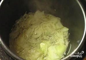 Солянка из капусты в мультиварке - фото шаг 4