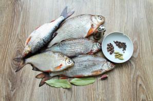 Пряный посол речной рыбы