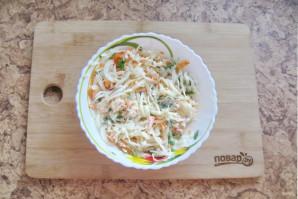 Салат из моркови и капусты с майонезом - фото шаг 6