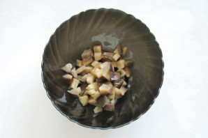 Салат с солеными баклажанами и картофелем - фото шаг 3