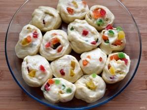 Праздничные булочки с марципаном и цукатами - фото шаг 7