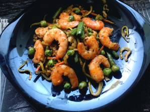 Овощи с королевскими креветками - фото шаг 7