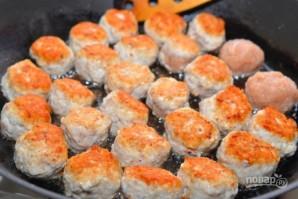 Куриные фрикадельки в ароматном томатном соусе - фото шаг 7